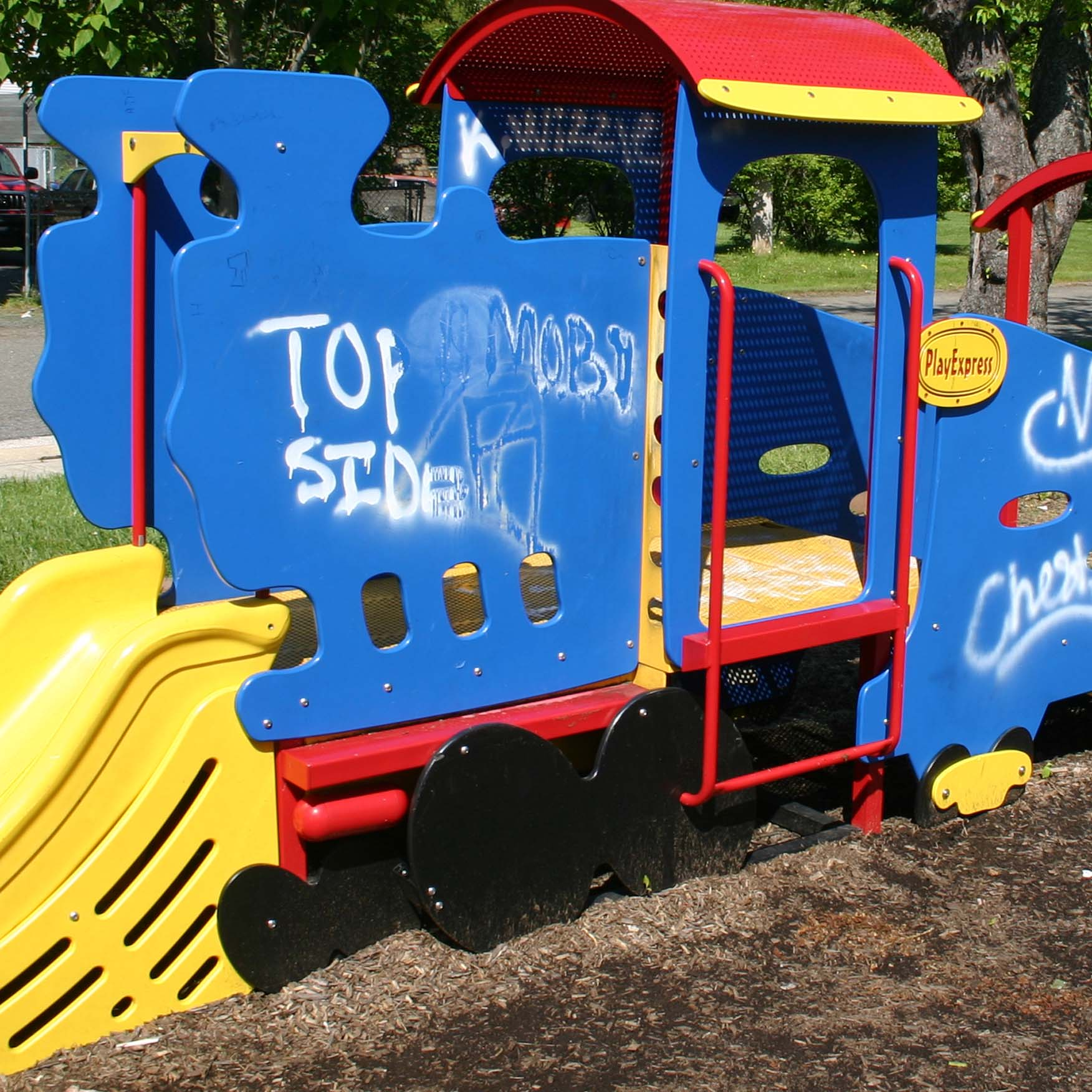Let graffiti remover Tagaway dwell on play ground equipment